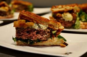 Pancake Waffel Burger beim Weber Neuheitengrillen 2016