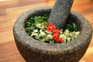Grünes Chimichurri zubereiten - So geht's!