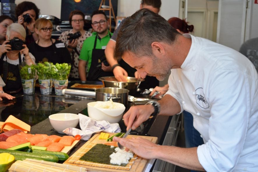 Food.Blog.Meet. - Christian Henze macht deep fried sushi rolls