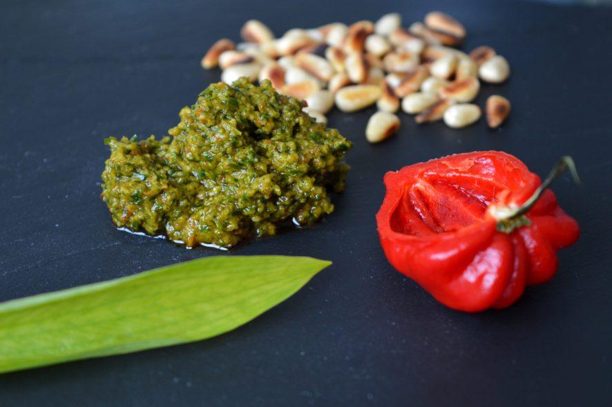 Bärlauch Pesto selbstgemacht - Schnell und super lecker!
