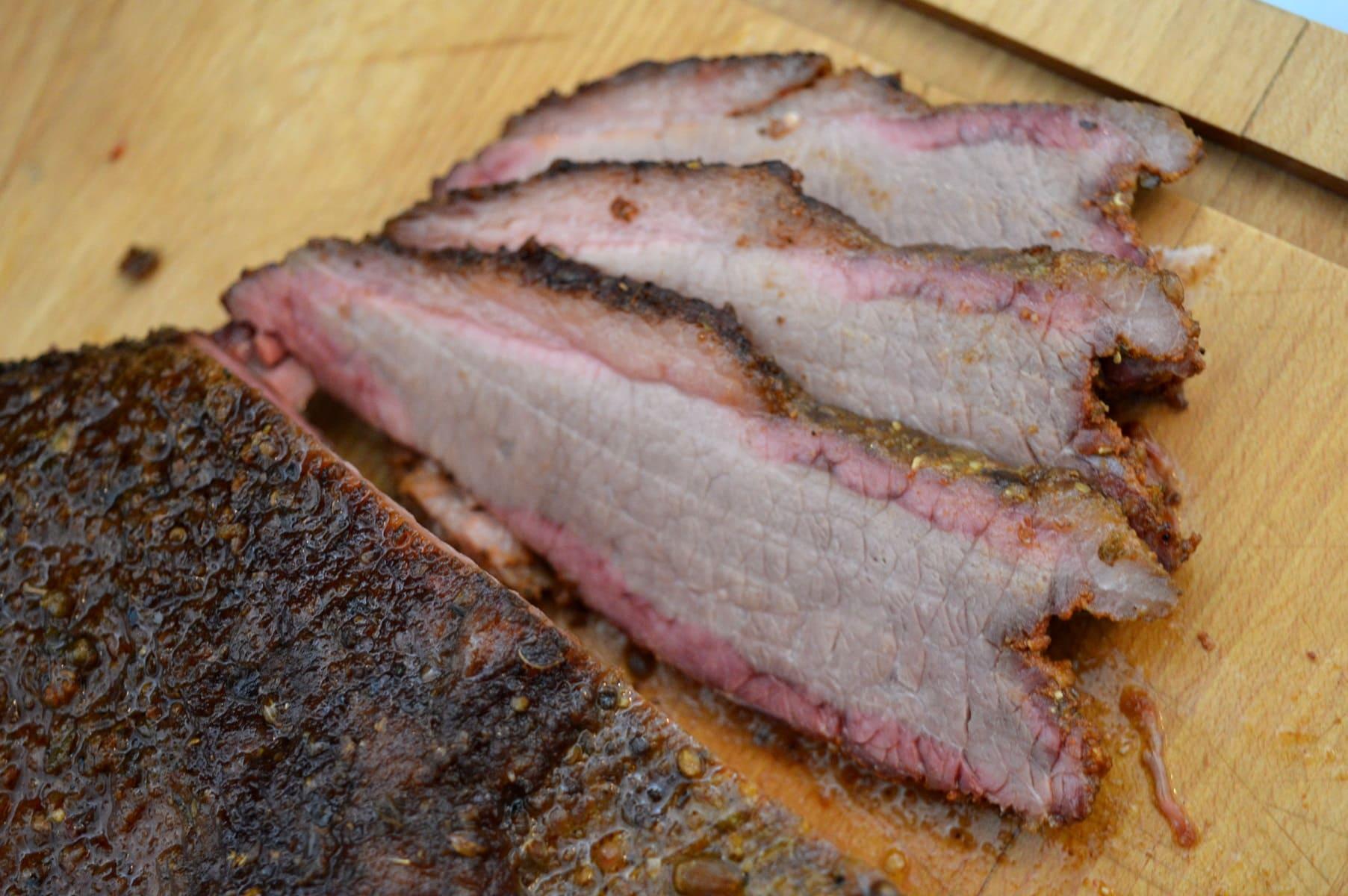 beef brisket im wsm watersmoker bacon zum steak. Black Bedroom Furniture Sets. Home Design Ideas
