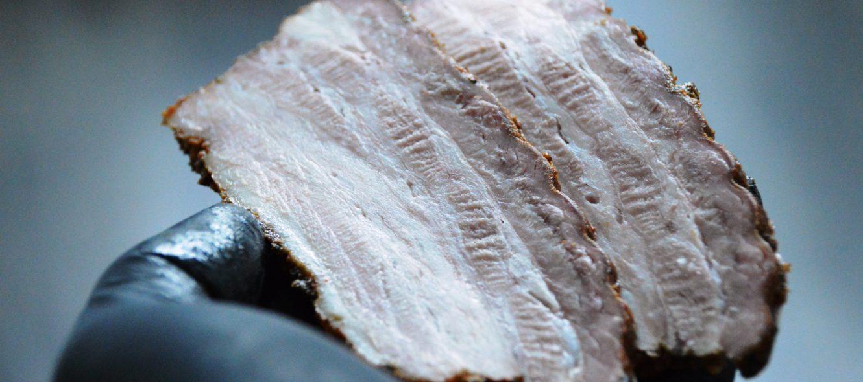 BBQ Rezept: Gegrillter Schweinebauch