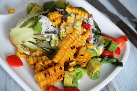 Gegrillter Salat mit Ranch Dressing