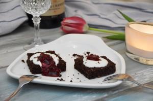 Gegrilltes Dessert zum Valentinstag - Landmann Pantera 2.0