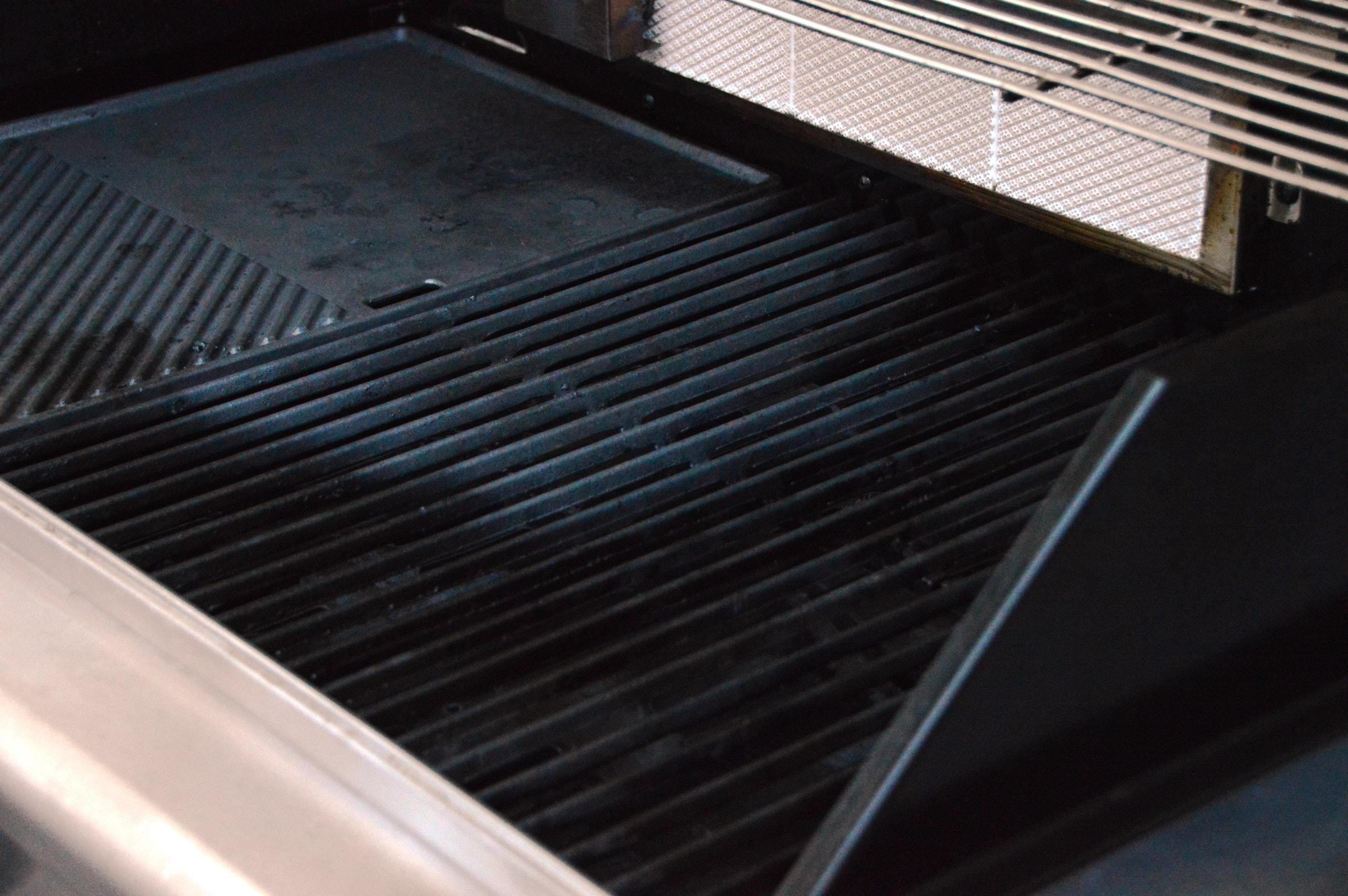 Landmann Gasgrill Einbrennen : Smoker grill einbrennen freizeit smoker