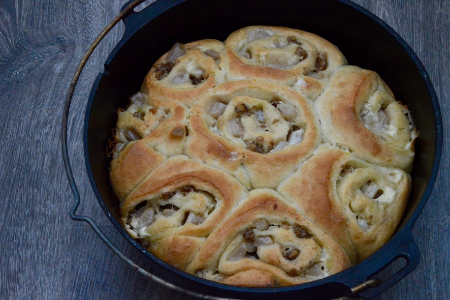 Rezept für Birnen-Zimt-Schnecken aus dem Dutch Oven oder Backofen