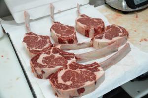 Fertige Tomahawk Steaks
